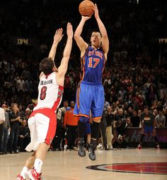 i never cared before, but now i actually want to watch the Knicks and witness Linsanity for myself