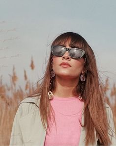 Millie Bobby Brown, Mirrored Sunglasses, Singer, Cute, People, Divas, Crushes, Videos, Fashion