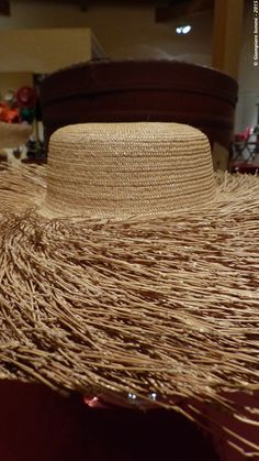 Straw hats !! Elegant and valuable work of the late nineteenth century. Gift of Longo millinery of Venice. Raffinati cappelli di paglia del sec. XIX dono della modisteria Longo di Venezia ! #HatsDistrict