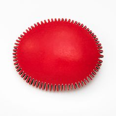 Mirjam Hiller, Brooch  – Galerie Isabella Hund, Schmuck  gallery for contemporary jewellery