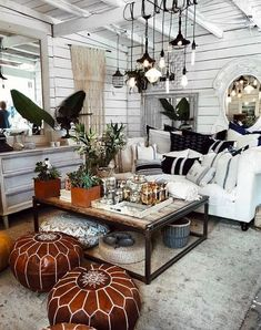 Classy and cute interior wall design for living room 00027 Living Room Designs, Living Spaces, Wall Design, House Design, Cute Store, Showroom Design, Interior Decorating, Interior Design, Decorating Ideas