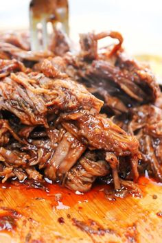 Easy Barbecue Beef Brisket a mouthwatering brisket is rubbed with spices & liquid smoke. Cooked in a slow cooker until tender & juicy; served and devoured. Slow Cooker Beef, Slow Cooker Recipes, Cooking Recipes, Pork Recipes, Spinach Recipes, Beef Brisket Recipes Crockpot, Cooking Tips, Crockpot Meals, Grilling Recipes