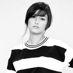 Looking simple yet still breathtaking, that's our Kashieca Girl Liza Soberano… My Beauty, Beauty Women, Asian Beauty, Cute Woman, Pretty Woman, Lisa Soberano, Filipina Actress, Monochrome, Most Beautiful Faces