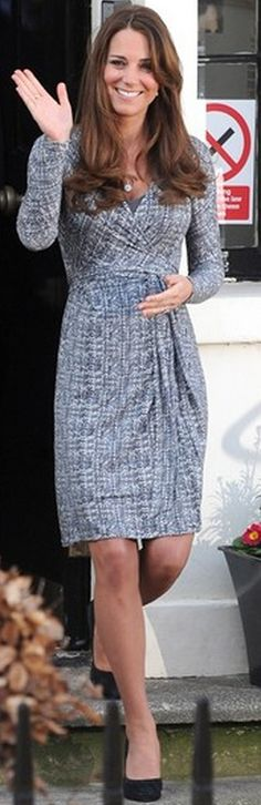 Kate Middleton: Dress – Max Mara    Earrings – Annoushka Pearl    Necklace – Asprey    Shoes – Episode Angel