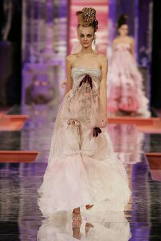 Christian Lacroix Haute Couture 2015 | Recent Photos The Commons Getty Collection Galleries World Map App ...