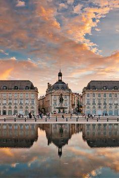 Burdeos es una ciudad fantástica para los amantes del vino, ¡a sólo 3 horas de #París en tren! #France #bordeaux