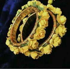 Flower bangles in yellow Silk Thread Bangles, Thread Jewellery, Lace Jewelry, Flower Jewelry, Jewelry Crafts, Flower Necklace, Jewelry Ideas, Jewelery, Bridal Bangles