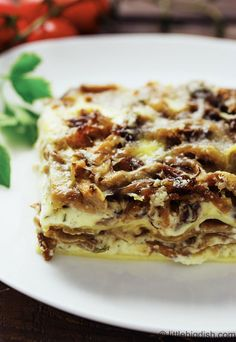 Ricotta and Oyster Mushroom Lasagna | Quick and Easy Delicious Recipe by Pioneer Settler at http://pioneersettler.com/oyster-mushroom-recipes/