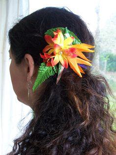 Pince cheveux tahitienne exotique fleurie et perlée 1 : Accessoires coiffure par crea-des-iles