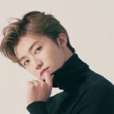"🍯 on Twitter: ""아 이 각도 좋은듯… "" Sehun, Nct Dream Jaemin, Mark Lee, Na Jaemin, Bts Boys, Boyfriend Material, K Idols, Nct 127, Pretty People"