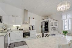 Sisustus  - Keittiö - Maalaisromanttinen Sweet Home, Kitchen, Home Decor, Cooking, Decoration Home, House Beautiful, Room Decor, Kitchens, Cuisine
