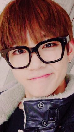 Taehyung in glasses ❤️