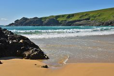 A beautiful beach scene from a bright and sunny June day in Lossit Bay on the west coast of Islay. Isle Of Islay, Scottish Islands, Beach Scenes, Beautiful Beaches, West Coast, Countryside, Scotland, Waves, Dreams