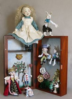 The World of Alice in Wonderland by Lucia Friedericy, Friedericy Dolls at The Toy Shoppe Lewis Carroll, Alice In Wonderland Doll, Alice In Wonderland Illustrations, Realistic Dolls, Go Ask Alice, Adventures In Wonderland, Through The Looking Glass, Miniature Dolls, Beautiful Dolls
