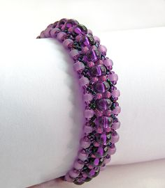 Free pattern for bracelet Midnight Click on link to get pattern - http://beadsmagic.com/?p=4873