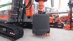 hydraulic piling rig - perforatrice idraulica per pali (Bauma 2013 - München; Fabrizio Panella)