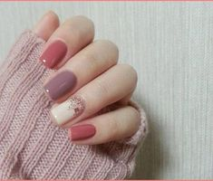 Here are the best nail polish you can use right now, they are very cheap to buy and gives the finger gorgeous look than ever. no matter what type of finger nails you have there is a polish that fits that nail and you will find it her. Trendy Nails, Cute Nails, Cute Fall Nails, Nails 2017, Manicure E Pedicure, Fall Pedicure, Manicure Ideas, Pedicures, Fall Nail Art