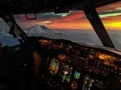 'Sunset in the Office' - aboard a Boeing 737