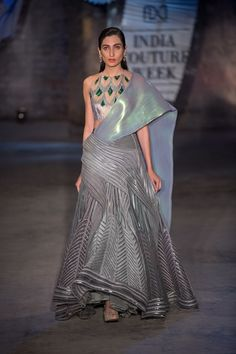 Amit Aggarwal at India Couture Week 2019 Indian Attire, Indian Outfits, Indian Designer Outfits, Designer Dresses, Wedding Dresses For Girls, Formal Dresses, Special Dresses, Indian Gowns Dresses, Stylish Sarees