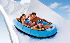 Aquafan: Adrenalina allo stato puro con gli scivoli d'acqua più lunghi d'Italia. Riccione, la capitale del divertimento in acqua!