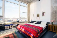 in Brooklyn, US. AMAZING (email hidden) palace in the sky, with breathtaking views across the Manhattan skyline, and in the heart of Williamsburg. A beautiful spacious Artist loft space to call your own during your stay in New York!  Our home is a unique and spaci...