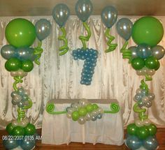Balloon Columns and Single Line Arch. Balloon column.  #balloon-column #balloon-decor