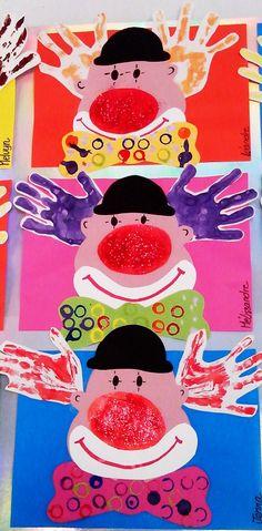 réaliser le fond selon la technique voulue ; ici les plus petits l'ont réalisé avec des empreintes à la petite voiture et les plus grands, ont fait des points avec des éponges rondes pour symboliser des confettis, coller le fond ainsi réalisé sur une feuille de Canson couleur, coller le portrait de l'enfant, coller un chapeau décoré de quelques gommettes colorées, faire un nez rouge à la peinture, coller une gommette et un petit message (ici fête des papas), faire un trou à la perfora...