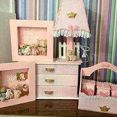 #gaveteiro #farmacinha #porta de maternidade  #sbajur #bebe #decoraçao infantil. #baby #artesanato #princesa #ursinhos de pelúcia