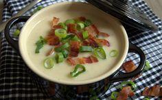 Cremet blomkålssuppe med forårsløg og bacon…