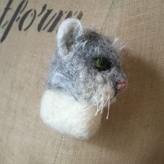 """#needlefelt animal #cat #badger #spaniel  brooches by Emma Herian // Sew Recycled (@sewrecycled) on Instagram: """"Just adding a bunch of new stock to my @etsy shop, lots of animal brooches! #NeedleFelt…"""""""