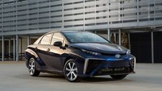 Toyota Mirai attracts 1,500 orders in its first month on sale