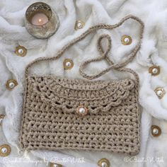 Crochet party clutch by BautaWitch Knit Or Crochet, Crochet Crafts, Crochet Projects, Crochet Dollies, Crochet Flowers, Crochet Handbags, Crochet Purses, Purse Patterns, Crochet Patterns