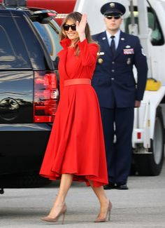 First Lady Melania Trump made an appearance in a Delpozo midi dress on Sunday, August 20 — see more of her most stylish looks here Melania Trump Dress, First Lady Melania Trump, Latest Outfits, Fashion Outfits, Womens Fashion, Milania Trump Style, Girls Run The World, Luxury Lifestyle Women, Michael Kors