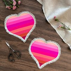 Talk about the most adorable coasters ever! 😻 This super easy project lets out your quilty feelings by strip piecing your favorite PURE Solids colors and cutting them out into these heart templates. ✂️♥️ The best part? Those adorable frayed edges that are achieved by fringing the exposed AGF Linen (our denim!) ✨ These would be a great addition for Valentine's Day home-decor or as handmade gifts. 👏 Click photo for pattern! Easy Projects, Sewing Projects, Pattern Art, Free Pattern, Heart Template, Art Gallery Fabrics, Click Photo, Quilt Patterns Free, Super Easy