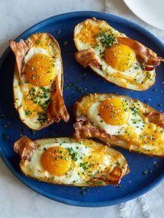 Twice Baked Breakfast Potatoes www.spoonforkbaco… Twice Baked Breakfast Potatoes www. Breakfast Dishes, Healthy Breakfast Recipes, Healthy Snacks, Healthy Eating, Healthy Recipes, Breakfast Potatoes, Breakfast Casserole, Bacon Breakfast, Clean Eating