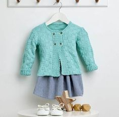 This Basket Weave Baby Cardigan Free Knitting Pattern is a perfect start for anyone interested in knitting a sweater or cardigan. Baby Cardigan Knitting Pattern Free, Knitted Baby Cardigan, Baby Knitting Patterns, Baby Patterns, Free Knitting, Lace Cardigan, Baby Girl Cardigans, Baby Sweaters, Sweaters Knitted