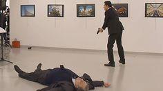"""TIROTEO EN ANKARA    Un hombre mata a tiros al embajador ruso en Turquía al grito de """"Alepo, venganza""""    Andrei Karlov ha sido atacado en..."""
