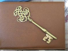 Old Skeleton Keys | Vintage Big Ornate Brass Skeleton Key | Tattoos