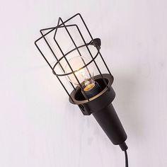 Dagens Lucka!  Bygglampa  299 kr/ € 33,90 (399 kr/ € 44,90) Gäller bara idag 4/12 ---------------- Today's offer! Lamp Black Metal  299 kr/ € 33,90 (399 kr/ € 44,90) Only valid today Dec. 4th