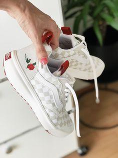 Vans Pink Old Skool Sneaker #pink #Skool #Sneaker #Vans