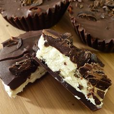 A creamy Baileys cheesecake filling in a satsifying dark chocolate shell.