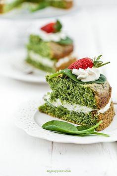 Tureckie ciasto ze szpinakiem Green Cake, Cake Photography, Coffee Cake, Beautiful Cakes, Bon Appetit, Matcha, Avocado Toast, Deserts, Appetizers