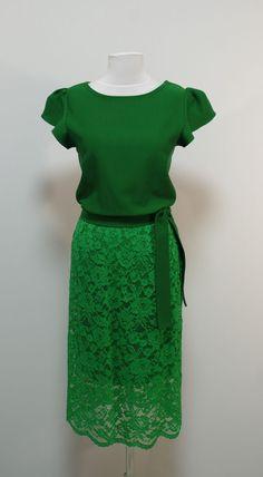Зеленое платье, гипюровая юбка прямого кроя   Платье-терапия от Юлии