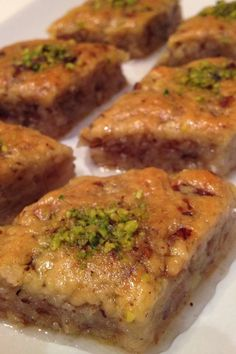 Lezzetzade: Nevzine Tarifi Vejeteryan yemek tarifleri – The Most Practical and Easy Recipes Tasty, Yummy Food, Iftar, Turkish Recipes, Sweet Recipes, Granola, Food And Drink, Dessert Recipes, Cooking Recipes
