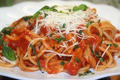 Gnocchi, Japchae, Bon Appetit, Mozzarella, Spaghetti, Food And Drink, Cooking, Ethnic Recipes, Oriental Recipes