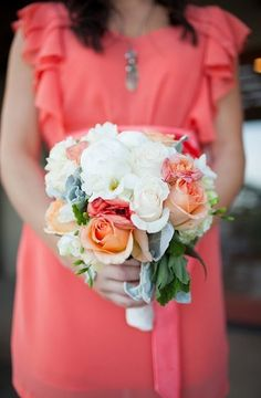 Coral and white wedding bouquet #bridesmaids #bouquet #coral
