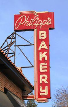Philipp's Bakery vintage sign - Sacramento, CA Sacramento Food, Sacramento California, Northern California, Restaurant Signs, Vintage Restaurant, Vintage Advertising Signs, Vintage Advertisements, Vintage Ads, Building Signs