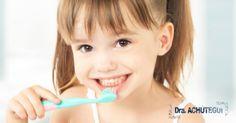 El seguimiento especializado desde los primeros años de vida es muy importante para lograr una boca sana, con una estética y con unas funciones adecuadas. Por lo tanto se trata de promover y cuidar la salud dental infantil, cuyo principal objetivo es el mantenimiento de una dentición sana, hasta que los pequeños alcancen una dentición adulta. Korea Makeup, The Wiz, Make Up, Face, Beauty, Goal, Dental Health, Life, Makeup