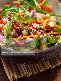 Sprouting bean salad  – Bild © foodanddrinkphotos / Masterfile.com: Kreative Stock-Fotografie, Vektoren und Illustrationen für Internet-, Print- und Mobile-Nutzung