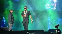 Power 105′s Powerhouse 2013 concert took place last night at Barclays Center in Brooklyn. During his performance Fabolous brought out Nicki Minaj & Meek Mill to perform theri joint 'I B On Dat